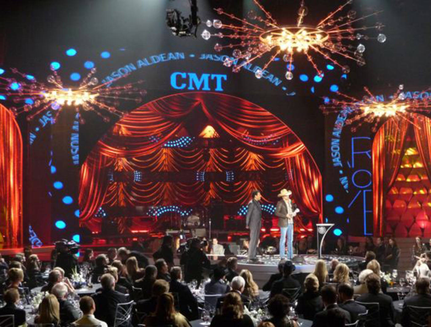 BLACK AND GOLD, BUULE, CELL CLOTH AND DIAMONDS ON STAGE AT CMT ARTISTS OF THE YEAR.