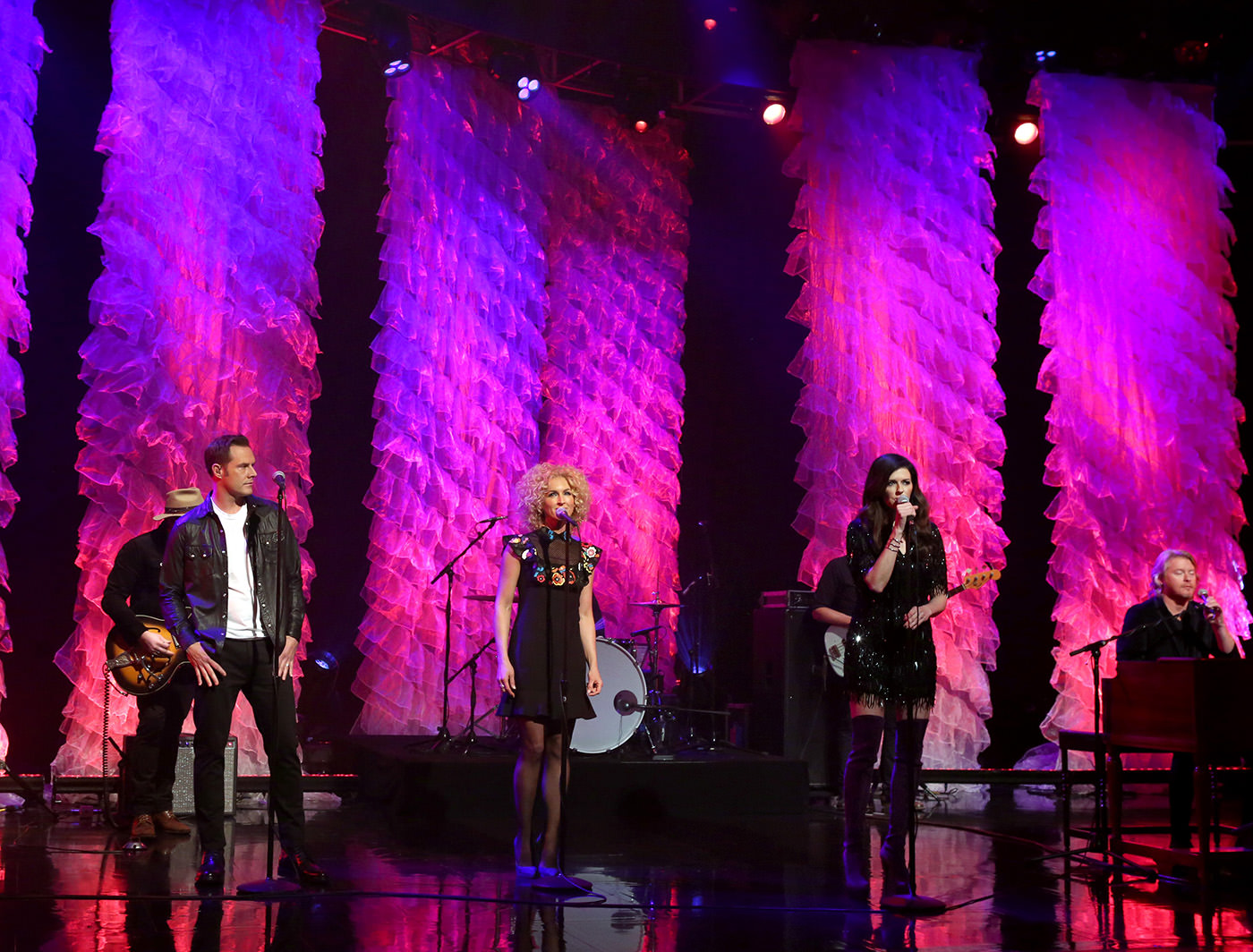 Little Big Town performs in front of Flounce