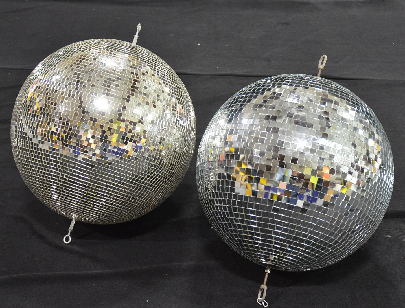 L Small Panel Disco Ball R Large