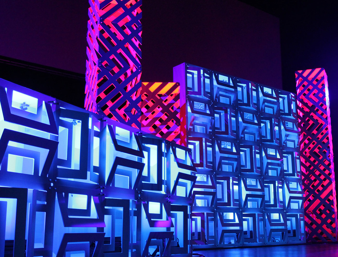 Buckle Superwalls set the cool blue vibe