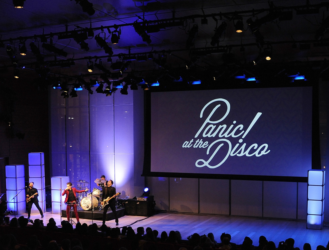 Frosty SUPERCOLUMNS are the supporting act for Panic at the Disco at the 2015 Shorty Awards