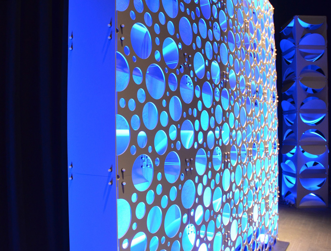 FIZZ PANELS WITH BACK LIGHTING