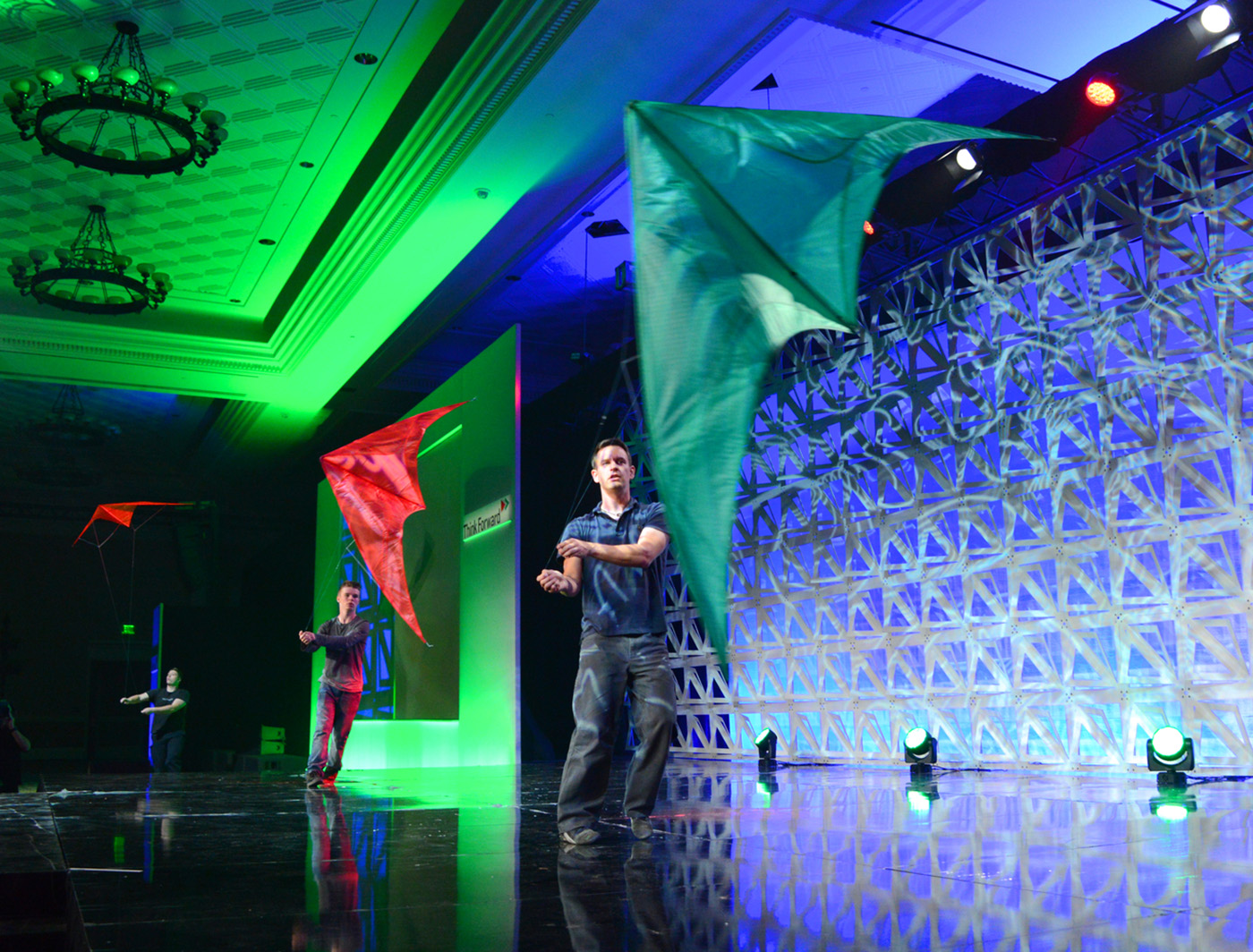 razor superwall stands tall as kites soar on stage