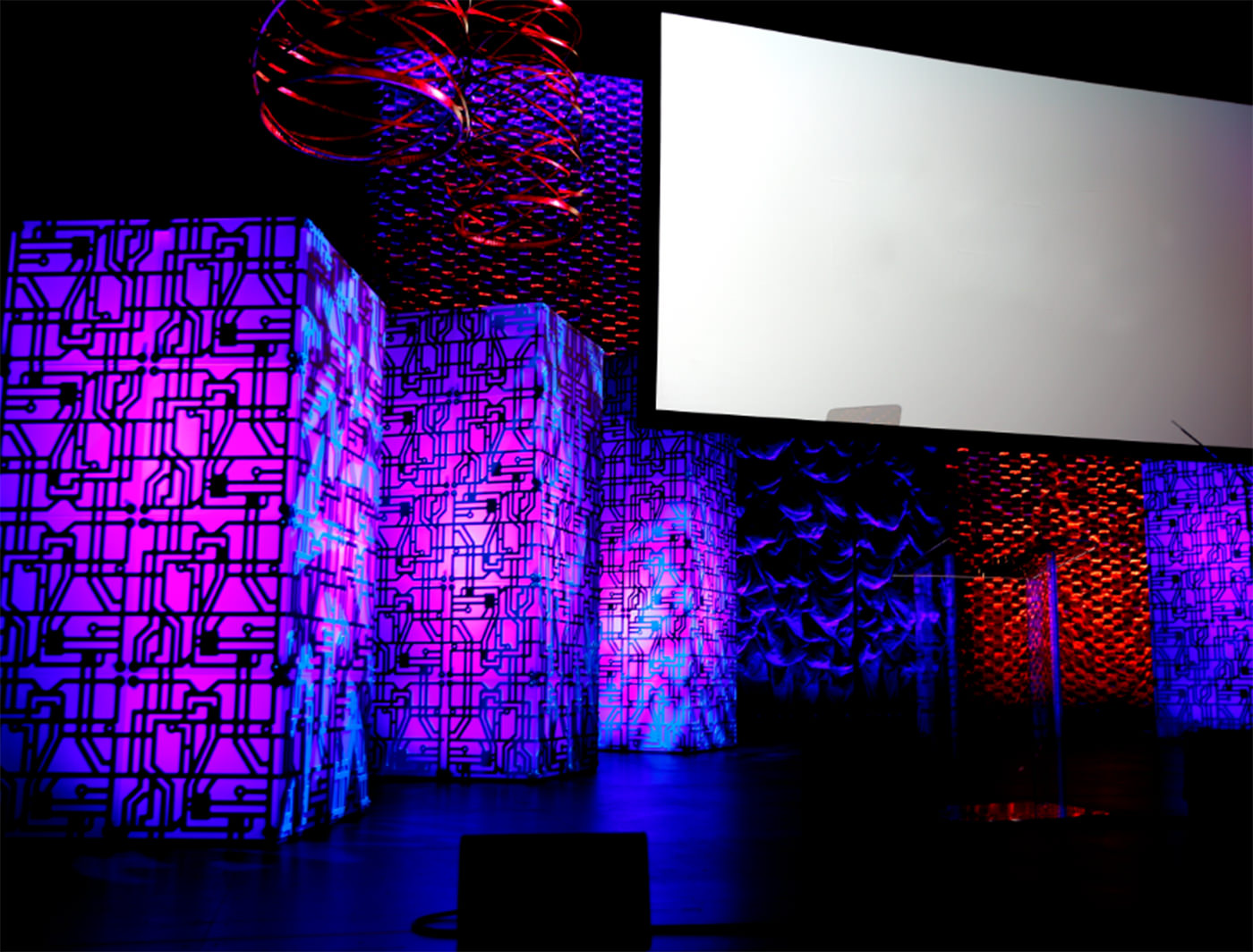 Circuit Rental Backdrops Decor From Atomic How To Design Boards And Frosty Supercolumns On Stage With Shoal Laser Superzipper