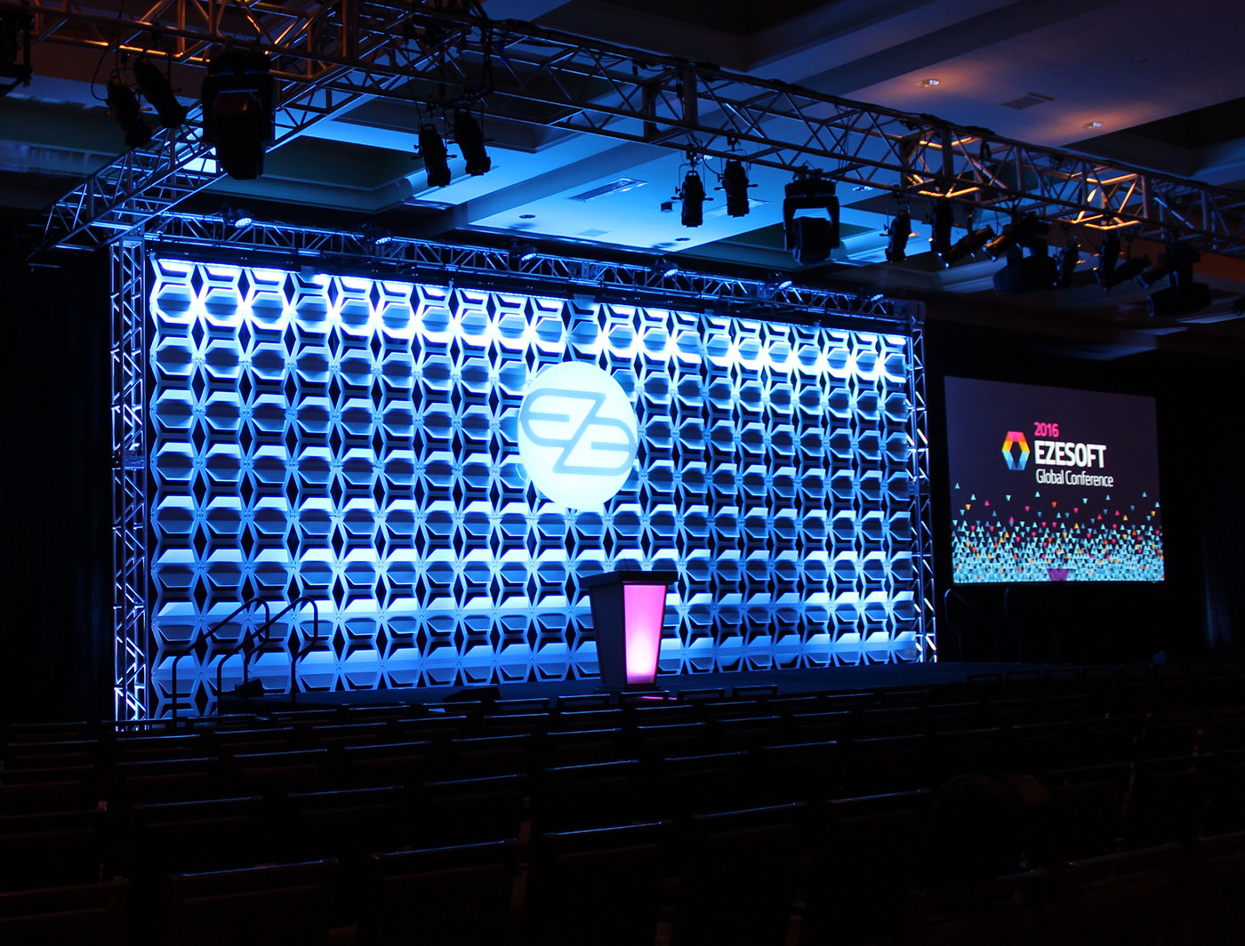 Hive SuperLever creates a stunning look for this corporate event