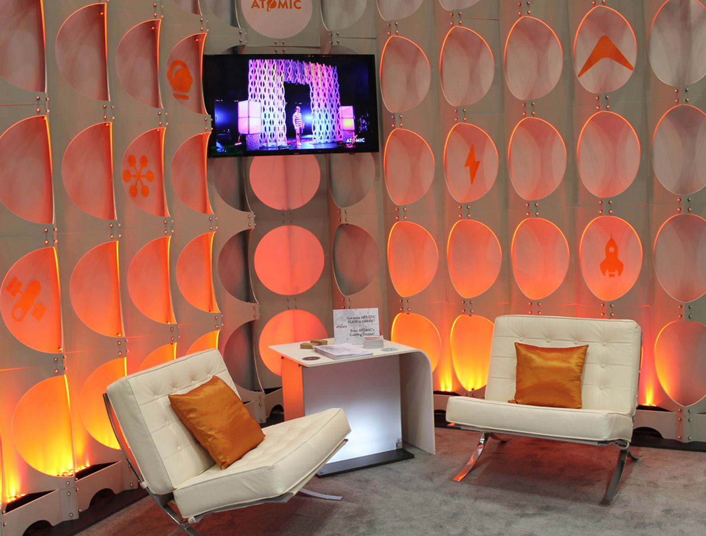 Flare FASTwall boosts this tradeshow booth