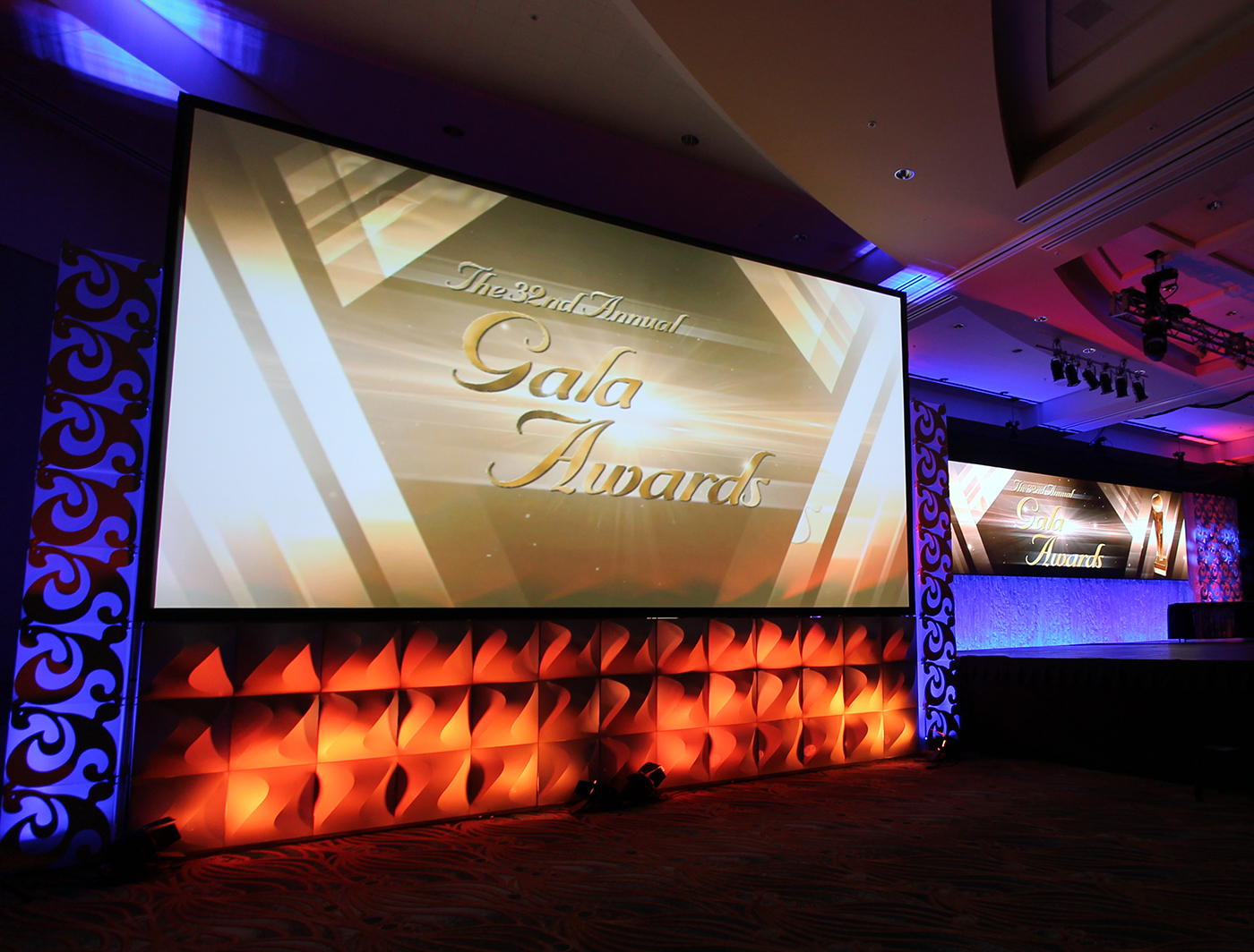 FABlok Wave looked great below this screen at the 2017 TSE Gala Awards