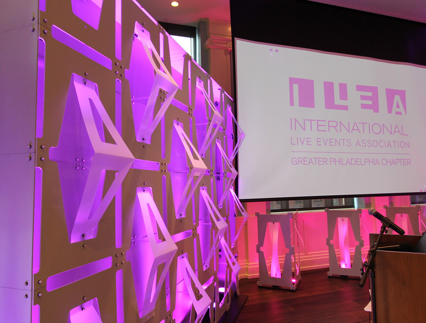 un-cut works well as a SuperWall at the ILEA Awards