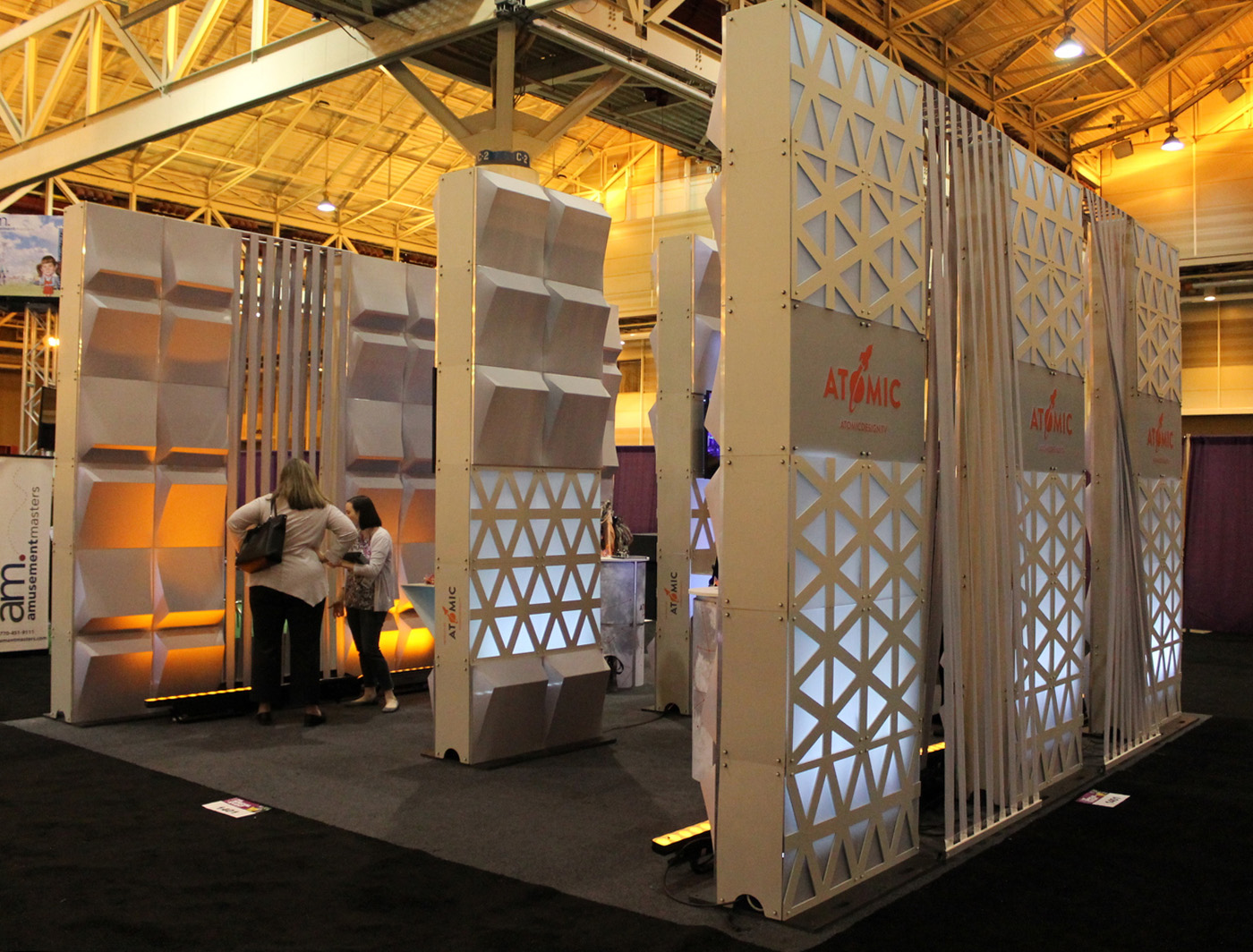 Wedge SuperWalls works its way in to this trade show booth