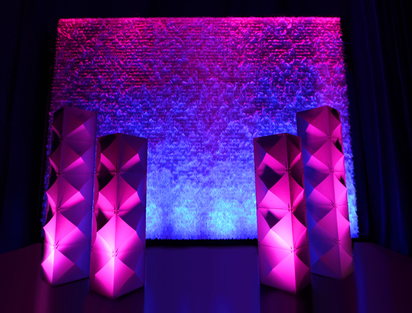 Use FABlok MiniGoss panels to build a backdrop in various sizes