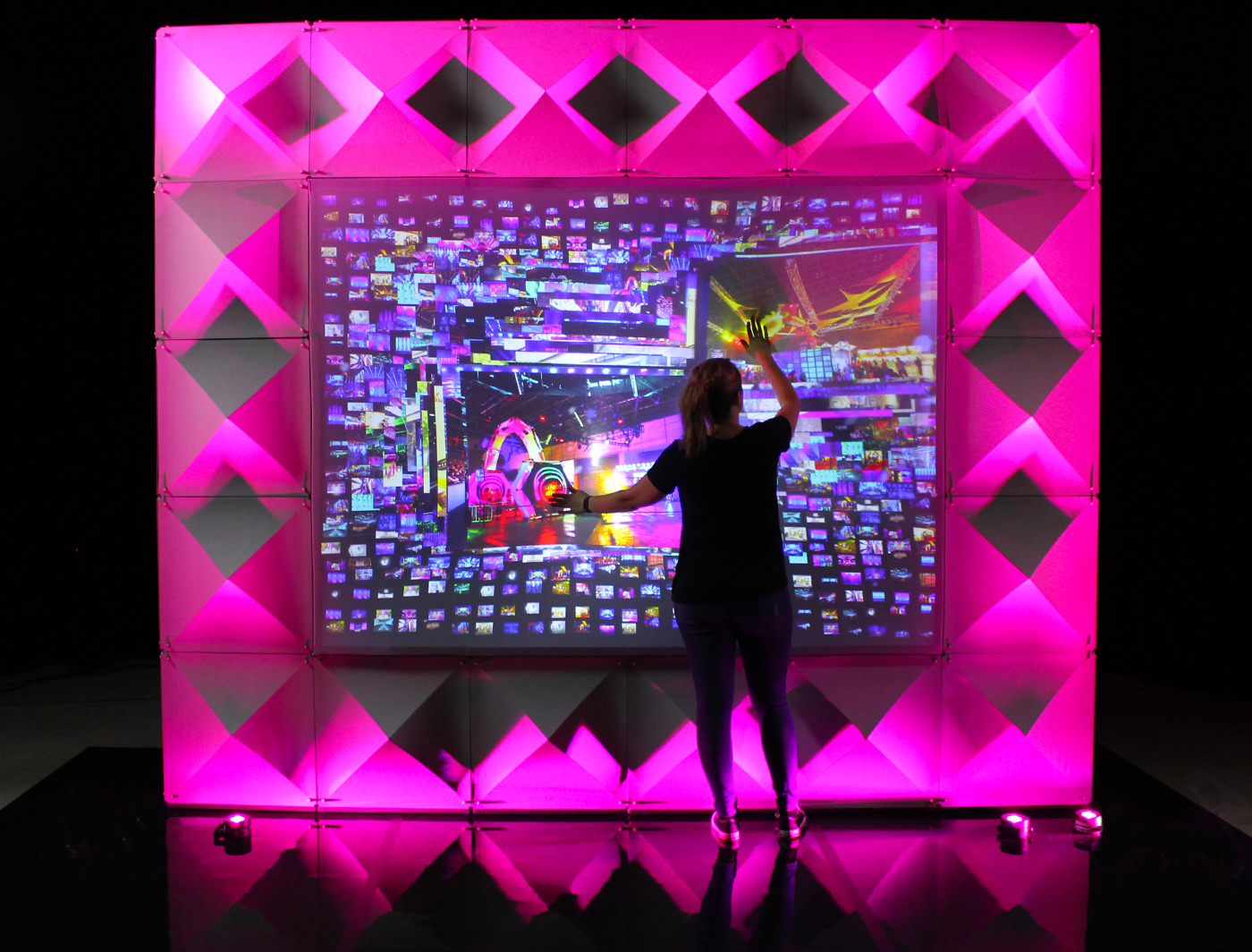 Push on curated content to expand photos with these experiential screens
