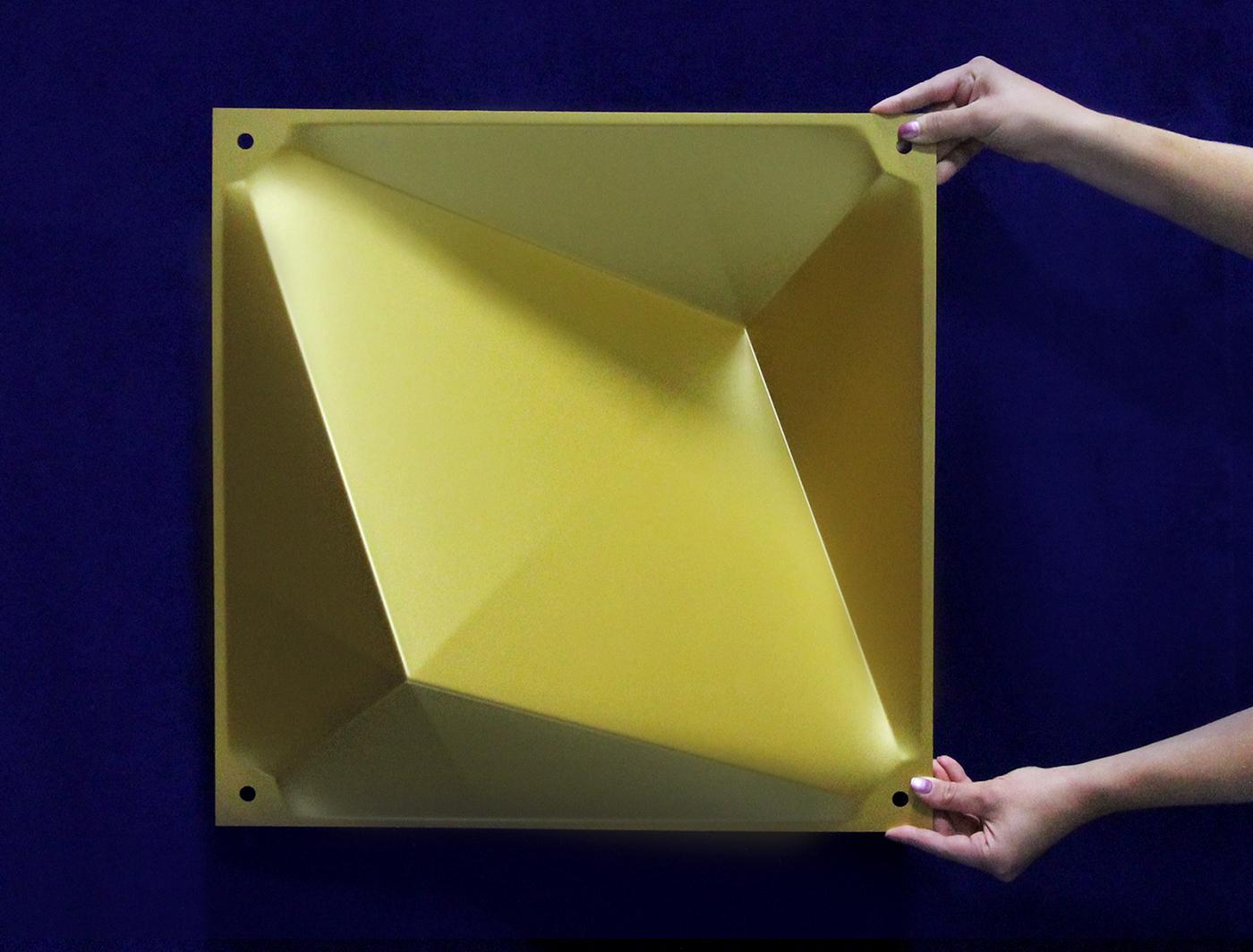 Gold Zeddit panel in natural light