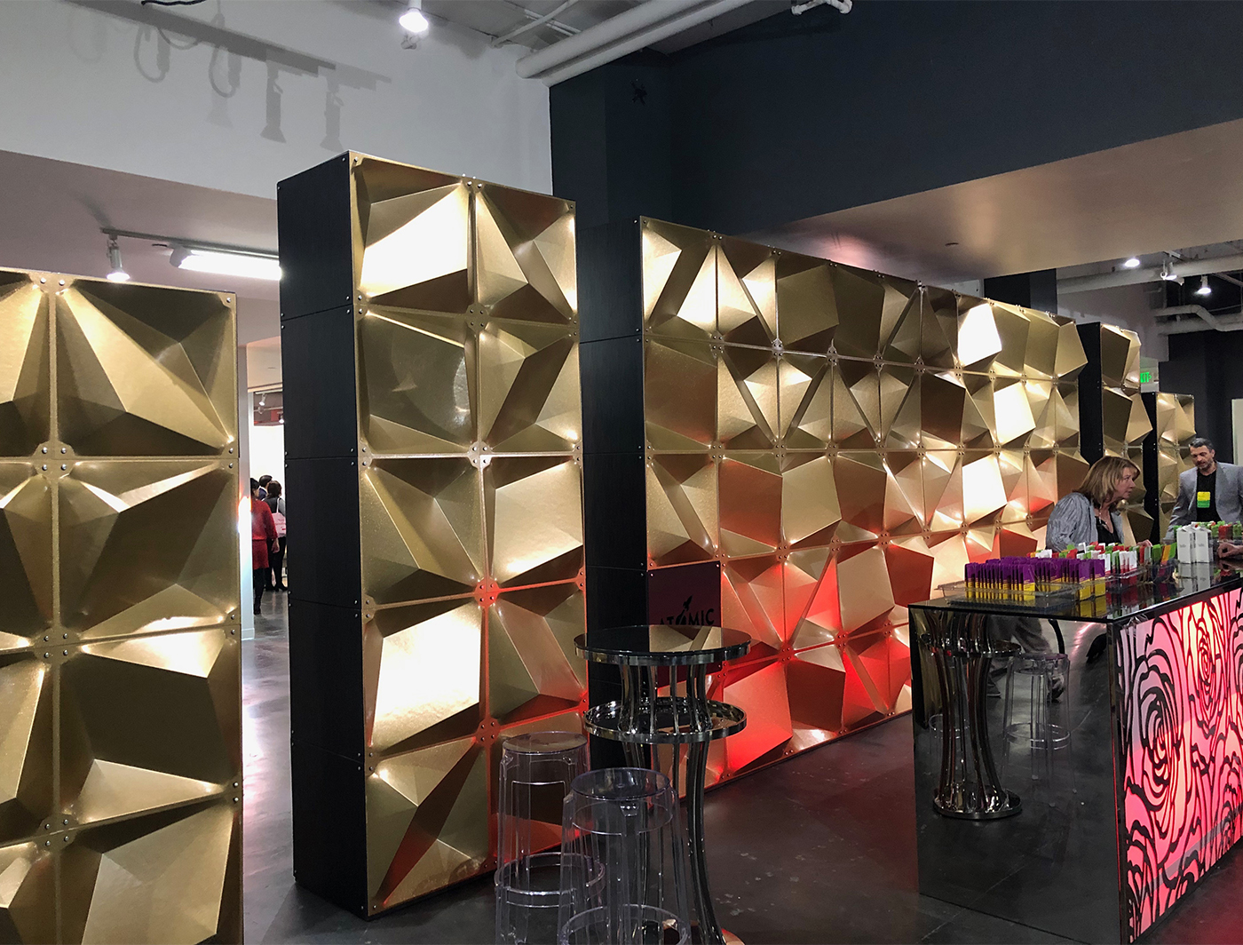 Create a cool dimensional backdrop with Zeddit panels